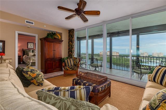 420 Cove Tower Dr 902, Naples, FL 34110