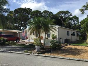 4693 Tahiti Dr, Bonita Springs, FL 34134