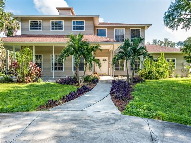 670 13th St Nw, Naples, FL 34120