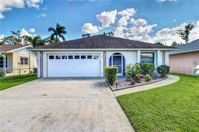 774 98th Ave N, Naples, FL 34108