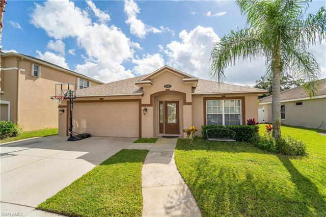 8447 Hollow Brook Cir, Naples, FL 34119