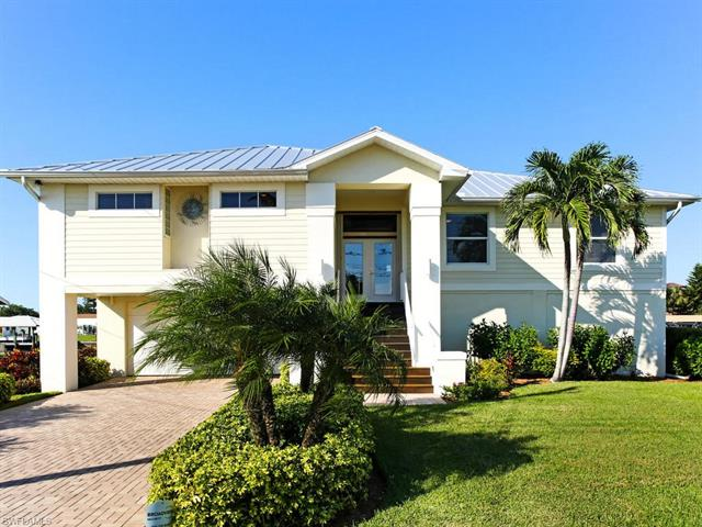 4858 Regal Dr, Bonita Springs, FL 34134