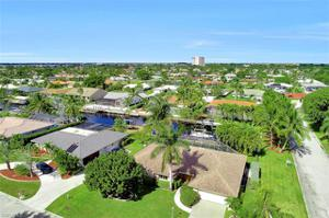 1027 Town And River Dr, Fort Myers, FL 33919