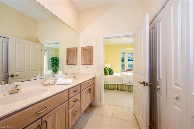24861 Goldcrest Dr, Bonita Springs, FL 34134