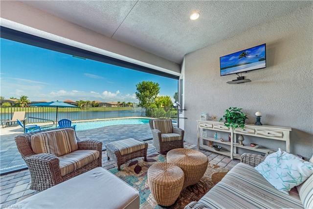 9925 Alhambra Ln, Bonita Springs, FL 34135