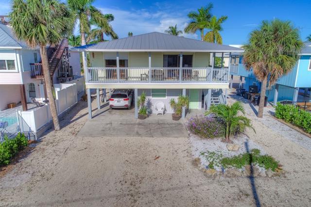 261 Ostego Dr, Fort Myers Beach, FL 33931