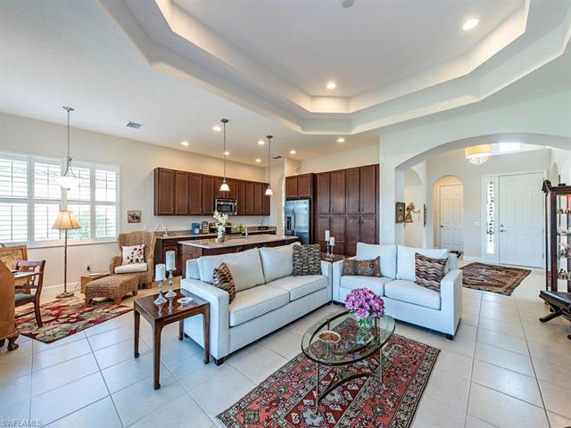 9220 Isla Bella Cir, Bonita Springs, FL 34135