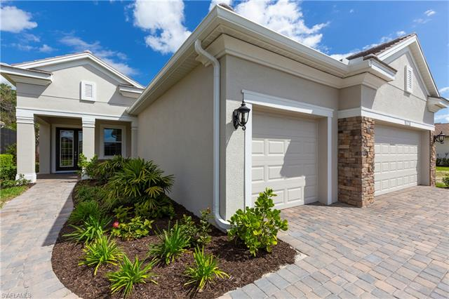 13733 Woodhaven Cir, Fort Myers, FL 33905