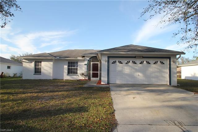 15561 Horseshoe Ln, Fort Myers, FL 33905
