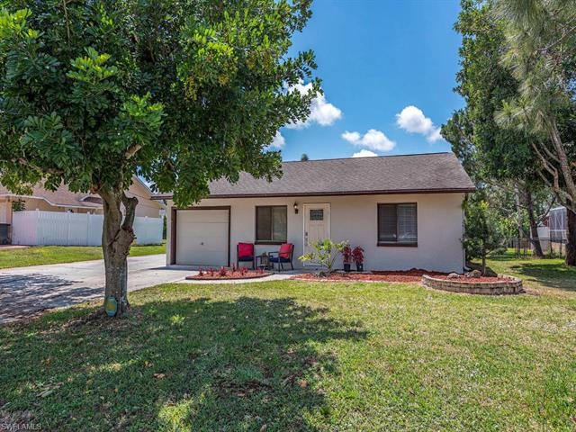 8318 Bamboo Rd, Fort Myers, FL 33967