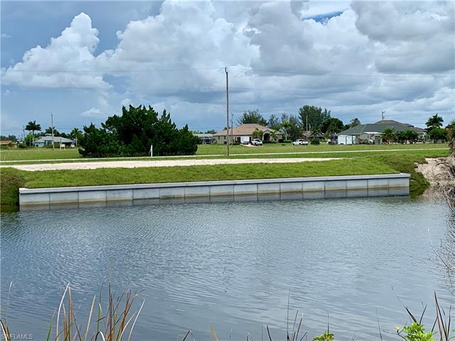 1022 38th Pl, Cape Coral, FL 33993