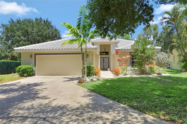 8801 Springwood Ct, Bonita Springs, FL 34135
