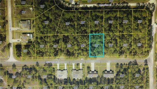 1077 Ainsworth St E, Lehigh Acres, FL 33974