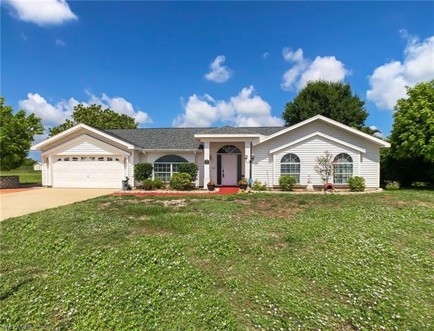 1521 Crestwood Cir W, Lehigh Acres, FL 33936