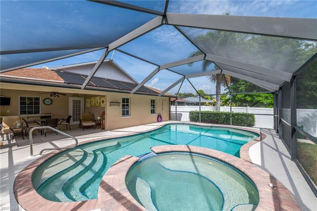 800 92nd Ave N, Naples, FL 34108
