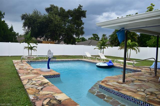 1219 15th St, Cape Coral, FL 33990