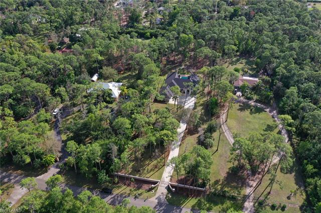 5940 Westport Ln, Naples, FL 34116