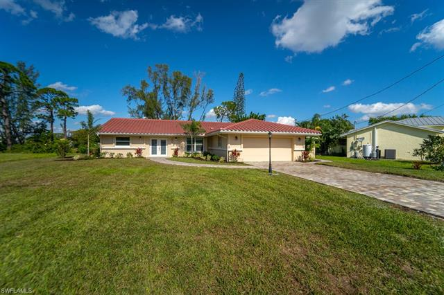 4948 Royal Palm Dr, Estero, FL 33928