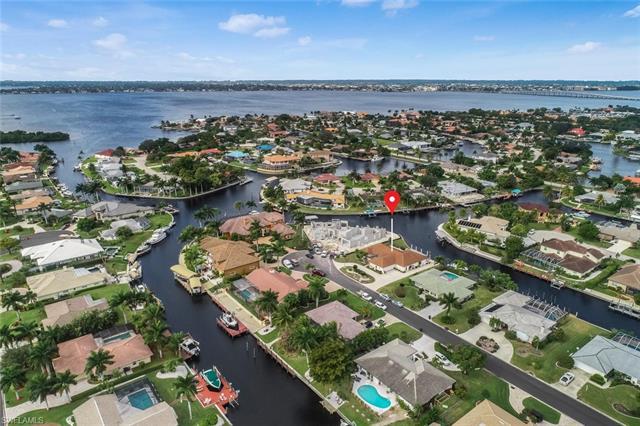 949 Wittman Dr, Fort Myers, FL 33919