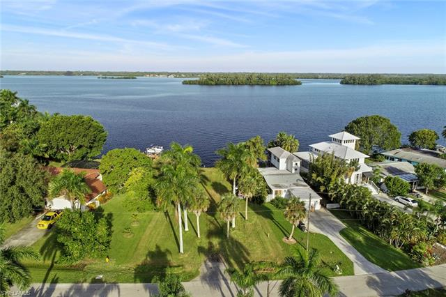 4549 Riverside Dr, Fort Myers, FL 33905
