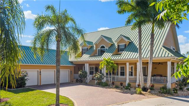 20660 Charing Cross Cir, Estero, FL 33928