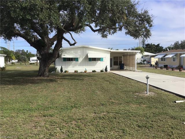 27381 Valois Dr, Bonita Springs, FL 34135