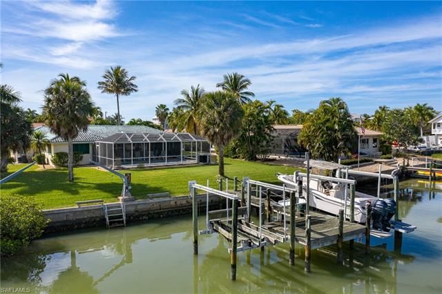 8445 Lagoon Rd, Fort Myers Beach, FL 33931