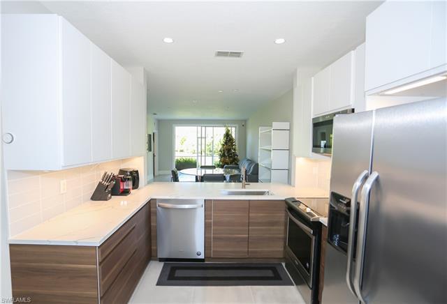3235 Cypress Glen Way 303, Naples, FL 34109