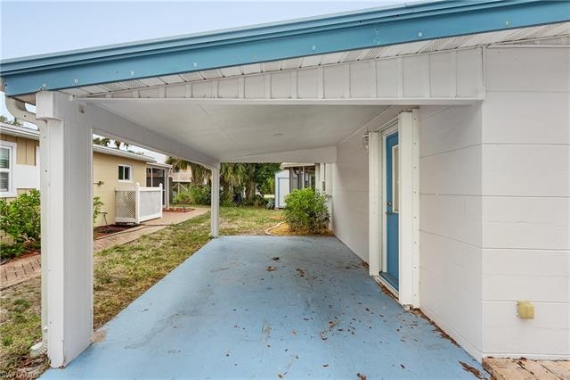 116 Hibiscus Dr, Fort Myers Beach, FL 33931