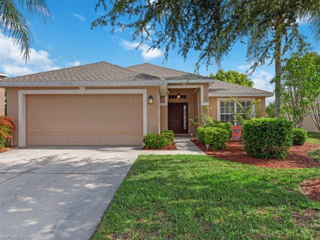 8860 Cedar Hollow Dr, Fort Myers, FL 33912