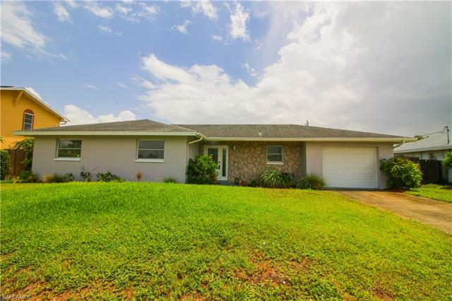 18433 Geranium Rd, Fort Myers, FL 33967