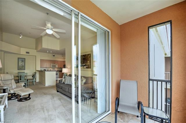 1215 Reserve Way 7-303, Naples, FL 34105