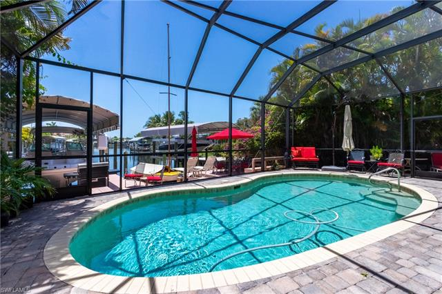 210 Albatross St, Fort Myers Beach, FL 33931