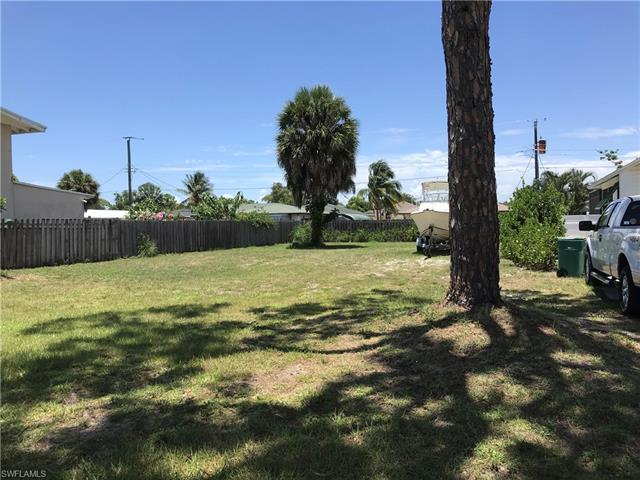 27 2nd St, Bonita Springs, FL 34134