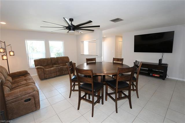 1137 Town And River Dr, Fort Myers, FL 33919