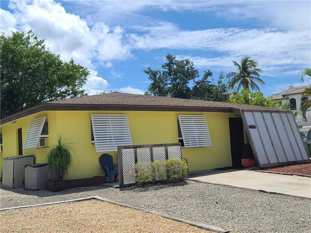 128 Jefferson St, Fort Myers Beach, FL 33931