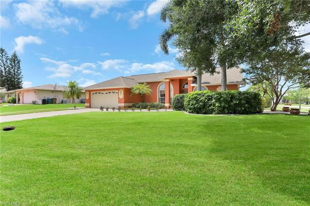 1123 4th Ter, Cape Coral, FL 33990