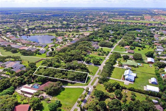 20571 Tanglewood Ln, Estero, FL 33928