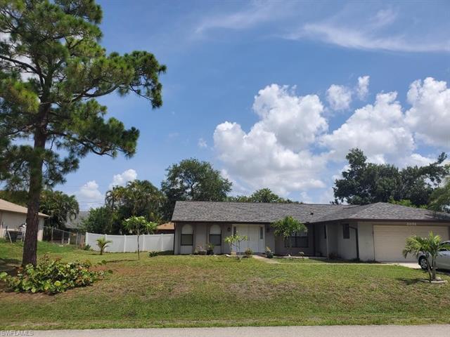 8101 Harrisburg Dr, Fort Myers, FL 33967