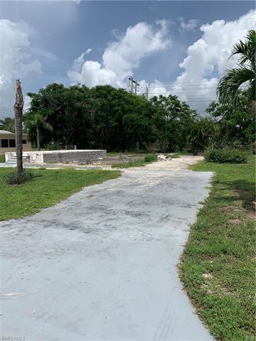 27339 Duvernay Dr, Bonita Springs, FL 34135