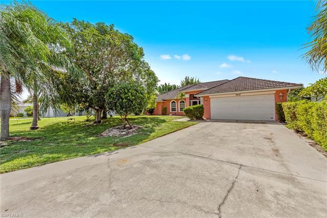 11590 Red Hibiscus Dr, Bonita Springs, FL 34135