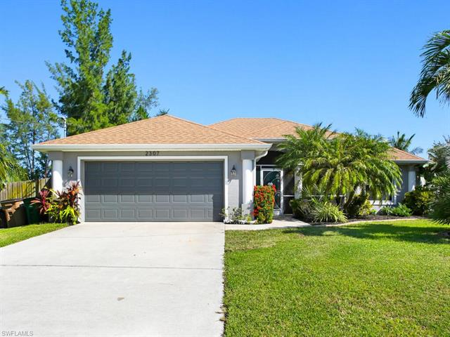 2307 22nd Ter, Cape Coral, FL 33991