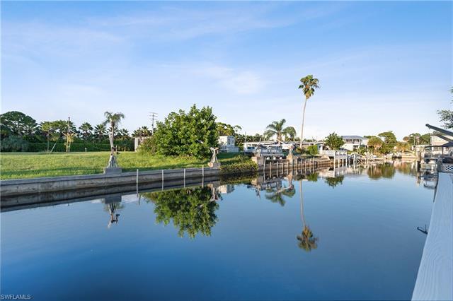 4704 Leilani Ln, Bonita Springs, FL 34134