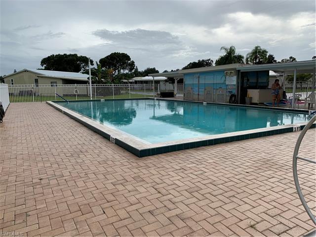 5558 Palm Beach Blvd 30, Fort Myers, FL 33905