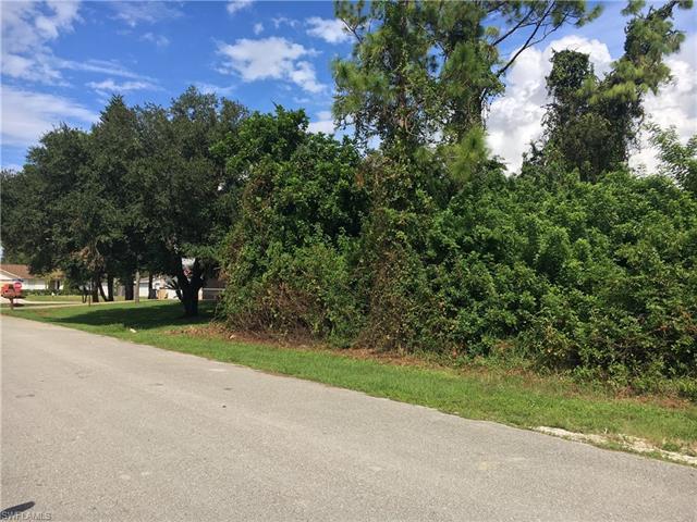 18217 Oak Rd, Fort Myers, FL 33967