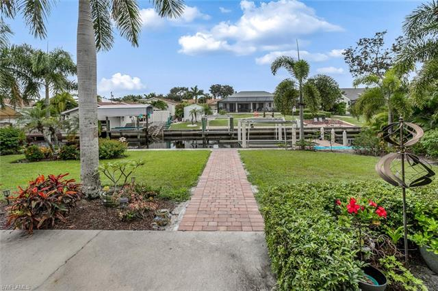 27100 Holly Ln, Bonita Springs, FL 34135