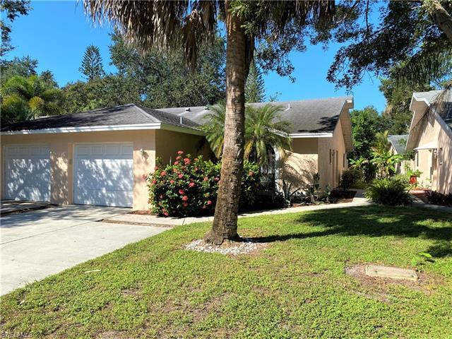 12307 Londonderry Ln, Bonita Springs, FL 34135