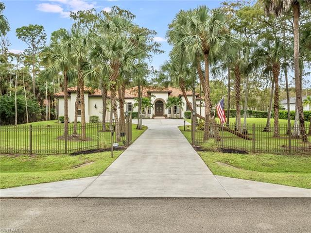 145 17th St Nw, Naples, FL 34120