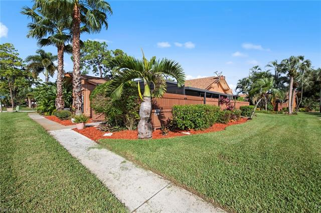 5617 Foxlake Dr, North Fort Myers, FL 33917