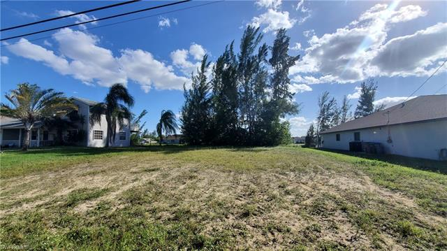 1220 28th St, Cape Coral, FL 33914